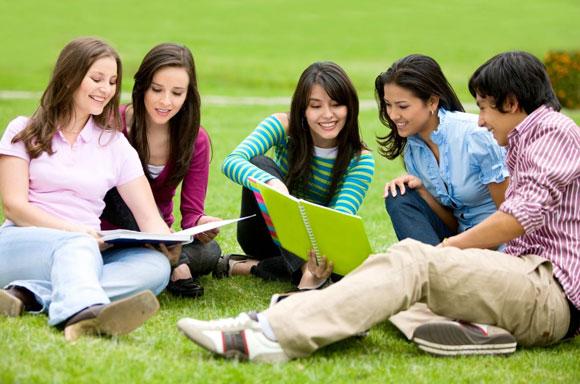 Gia Sư Đức Việt với chương trình luyện thi đại học chất lượng cao.